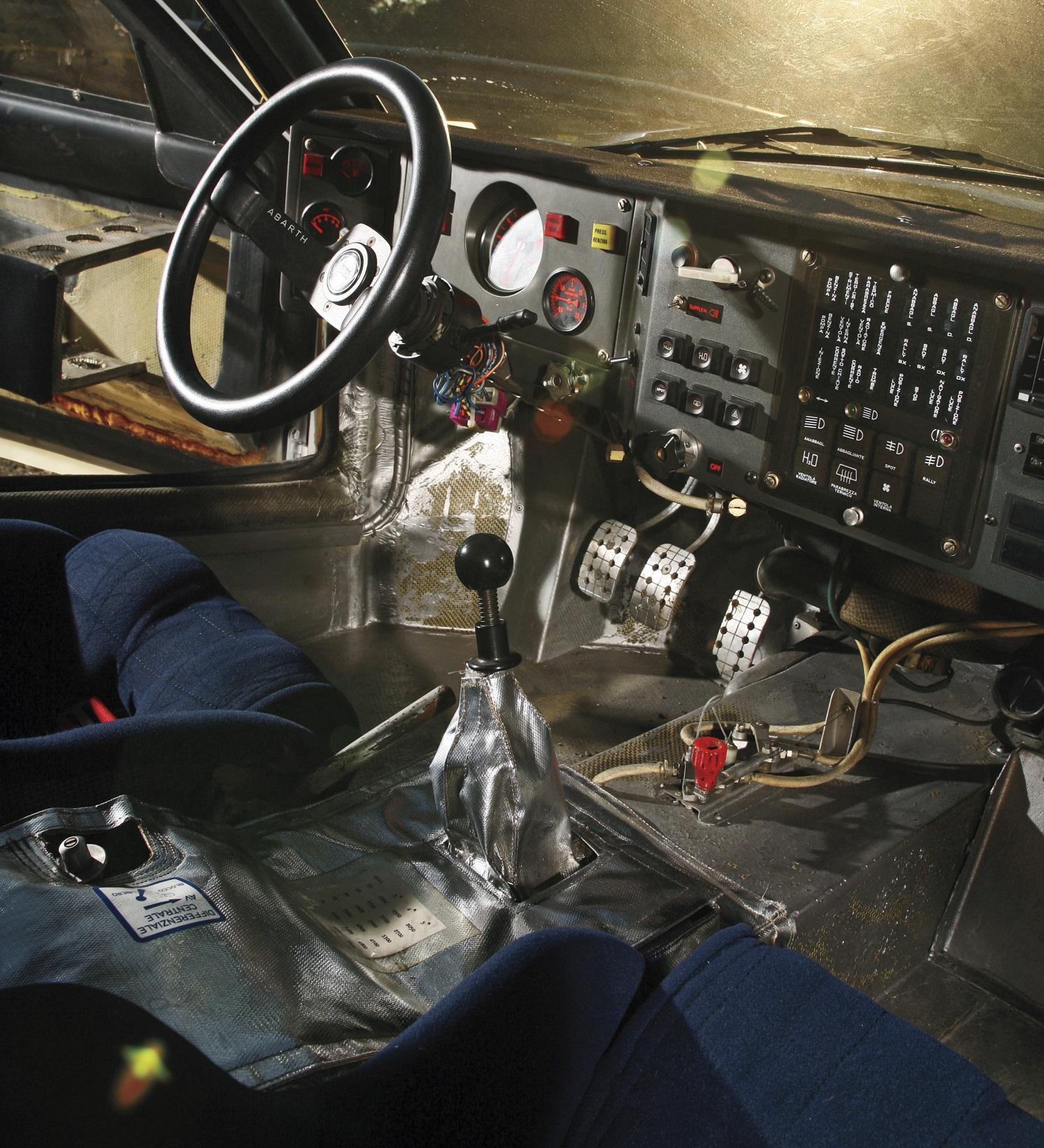 lancia-delta-s4-interior | Rally Group B Shrine